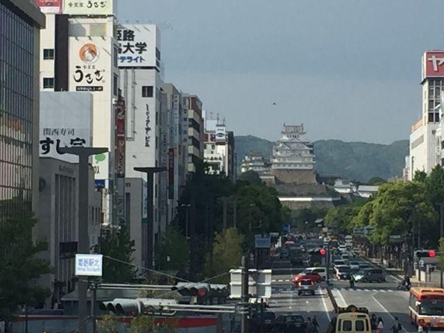 駅から姫路城